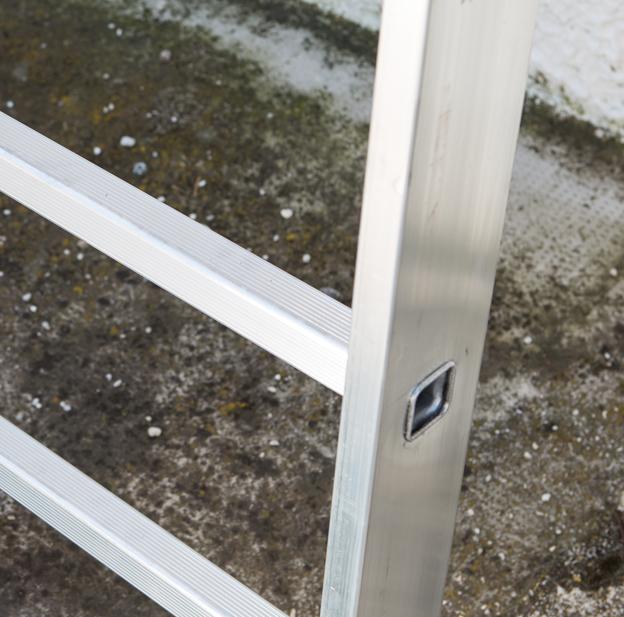 Лестница выдвижная трехсекционная FARAONE ST400/3CM