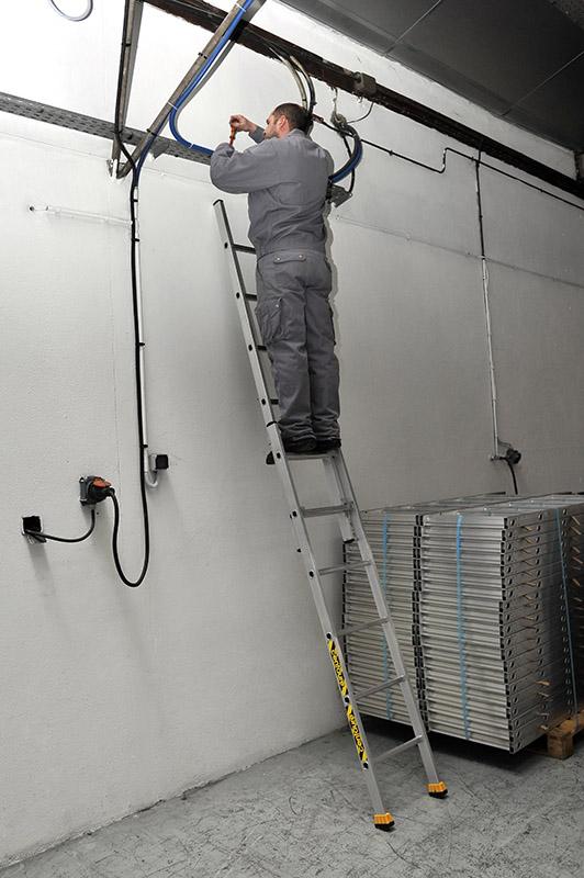 Двухсекционная выдвижная алюминиевая лестница CM2 2х8 Centaure Франция