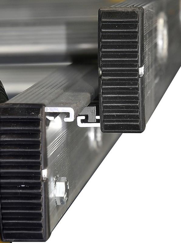 Лестница выдвижная трехсекционная алюминиевая Centaure PRС 3х18