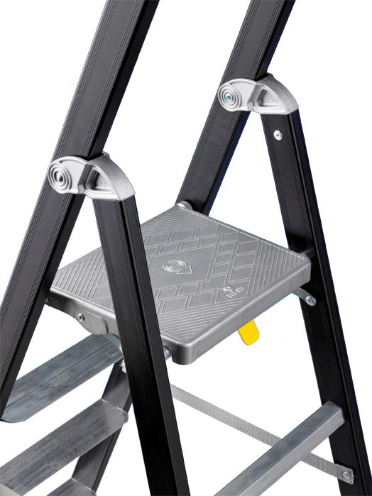Стремянка алюминиевая SVELT MAREA TECH 10, алюминиевая площадка