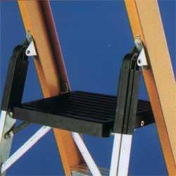 Стремянка диэлектрическая с полочкой SVELT Smart1  4 ступени